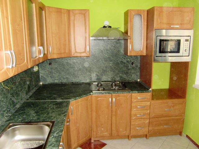 Rohová kuchyně Patera olše - olše