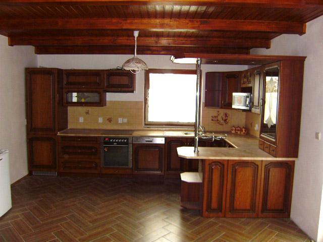 Rohová rustikální kuchyně Bolero