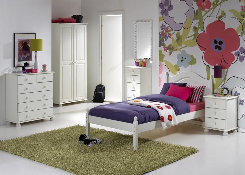 Dřevěná sektorová ložnice Richmond white 3