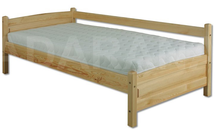 Dětská dřevěná postel