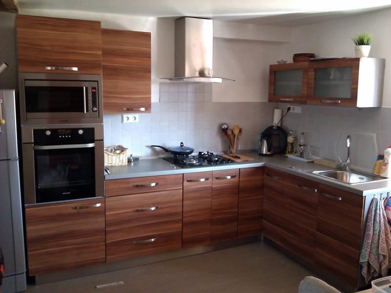 Realizovaná rohová kuchyně Formát slíva