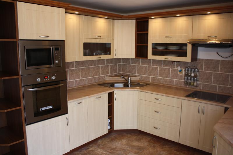 Kuchyňská linka Vybráno - kompletní kuchyň včetně spotřebičů