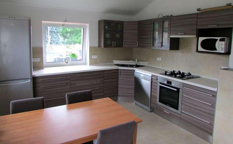 Realizovaná kuchyně Diana Format, barva Driftwood 2/k.Rovere Truffle