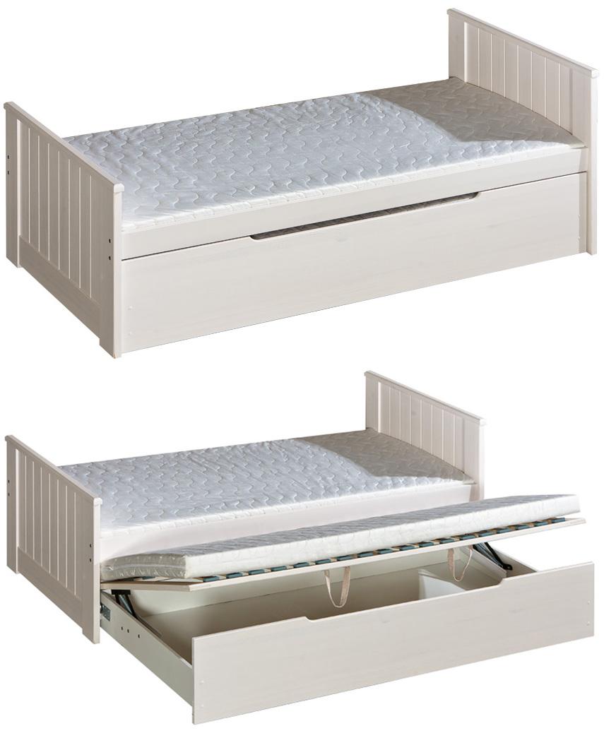 Dřevěná dětská postel Bella