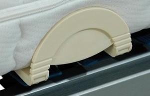 Boční držák matrace plastový