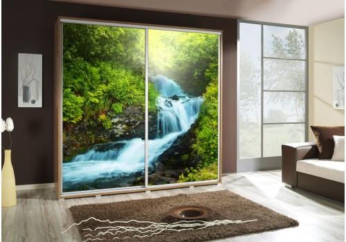 Šatní skříň s posuvnými dveřmi a obrázkem P - Vodopád