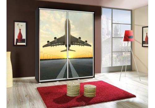 Šatní skříň s posuvnými dveřmi a obrázkem P - Letadlo