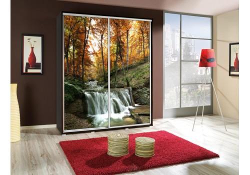 Šatní skříň s posuvnými dveřmi a obrázkem P - Les