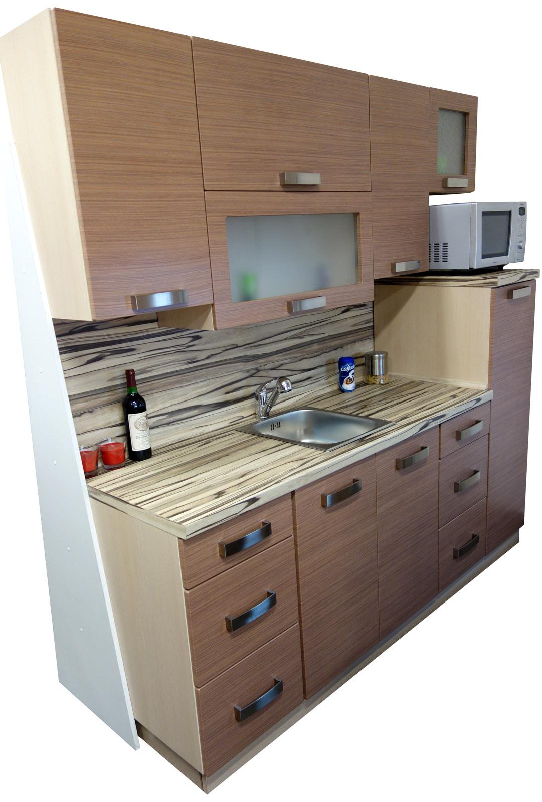 Kuchyňská linka 210 cm