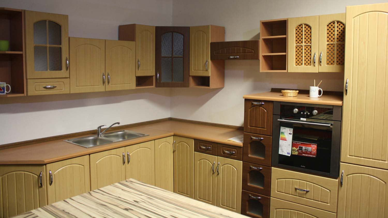 Rohová kuchyně v barvě buk 240x280 - výprodej.